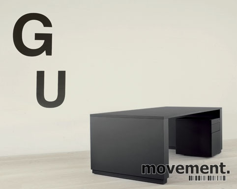 GOS3 Møtebord arbeidsbord fra Gubi isort linoleum