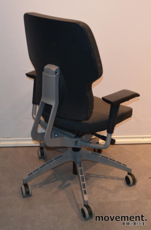 IKEA Kläppe kontorstol med trekk i gråttstoff, pent brukt
