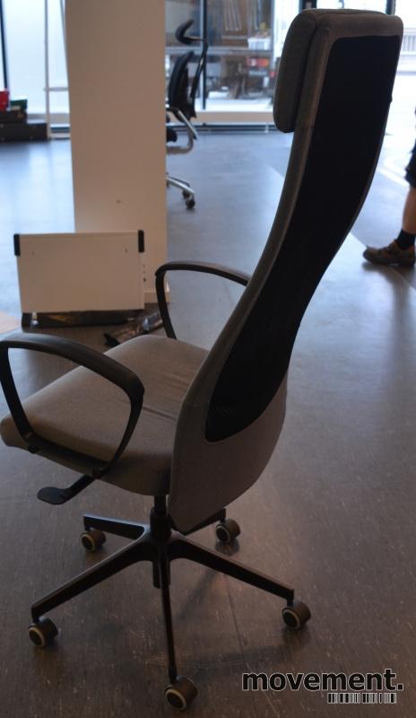 Kontorstol: Ikea modell Markus i gråttstoff, høy, nakkepute