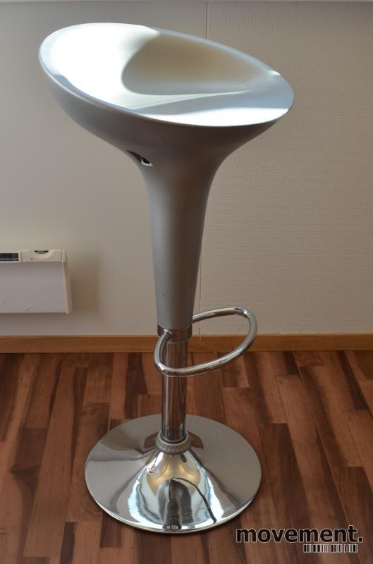 Barkrakk barstol i gråttmikrofiberstoff, krom fot